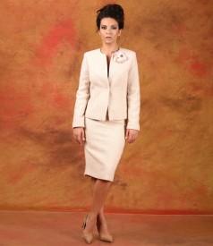 Costum office dama cu sacou si fusta din bucle cu lana si aplaca