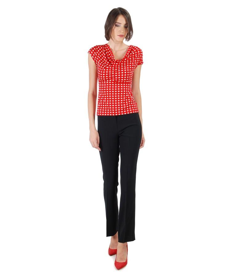 Tinuta eleganta cu pantaloni cu dunga si bluza din jerse imprimat