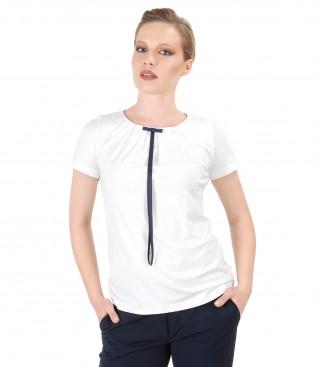 Bluza din jerse elastic cu funda pe decolteu