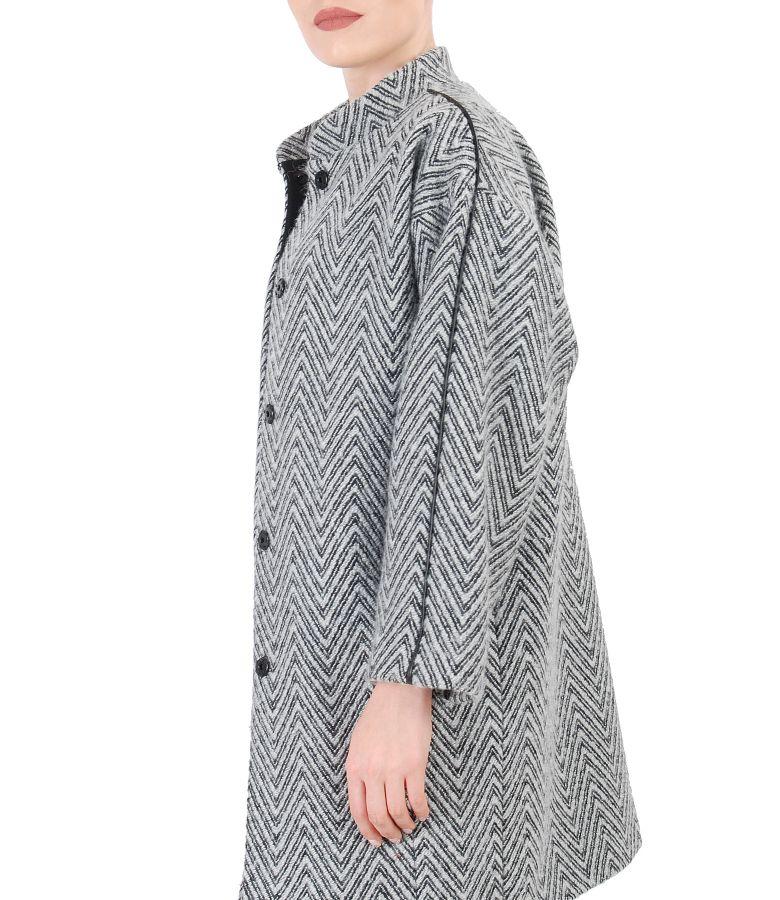 Jacheta eleganta cu maneci raglan