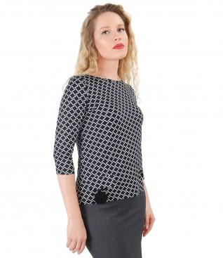 Bluza din jerse elastic cu floare tricotata