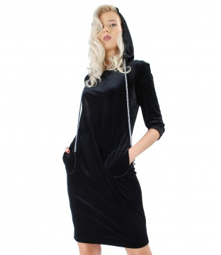 Rochie cu gluga din catifea elastica neagra