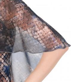 Rochie din catifea cu pelerina din voal
