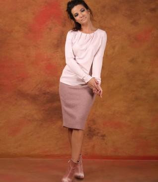 Tinuta eleganta cu bluza din jerse elasic uni si fusta creion din bucle