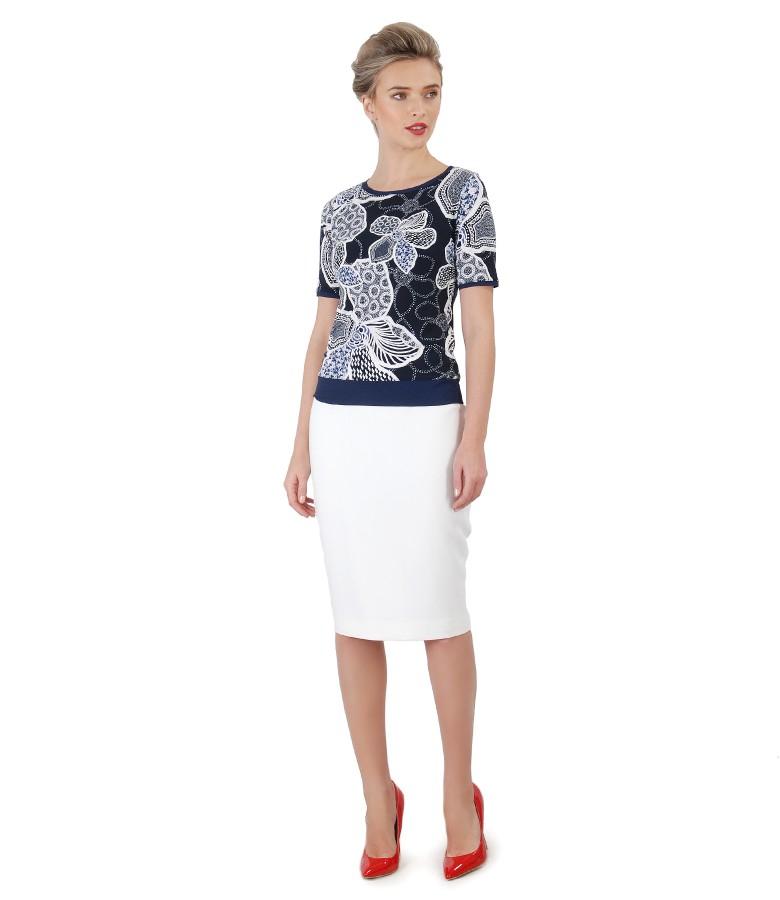 Fusta office din stofa elastica si bluza din jerse imprimat in relief