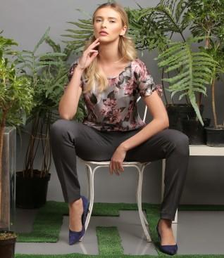 Bluza din voal cu imprimeu floral si pantaloni pana