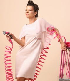 Rochie din vascoza cu pelerina din voal si aplicatie de cristale