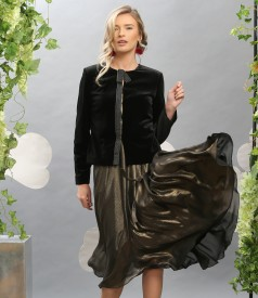 Tinuta de ocazie cu sacou din catifea elastica si rochie din voal sidefat