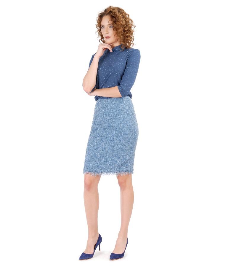 Tinuta eleganta cu fusta din bulce si bluza din jerse elastic imprimat cu picouri