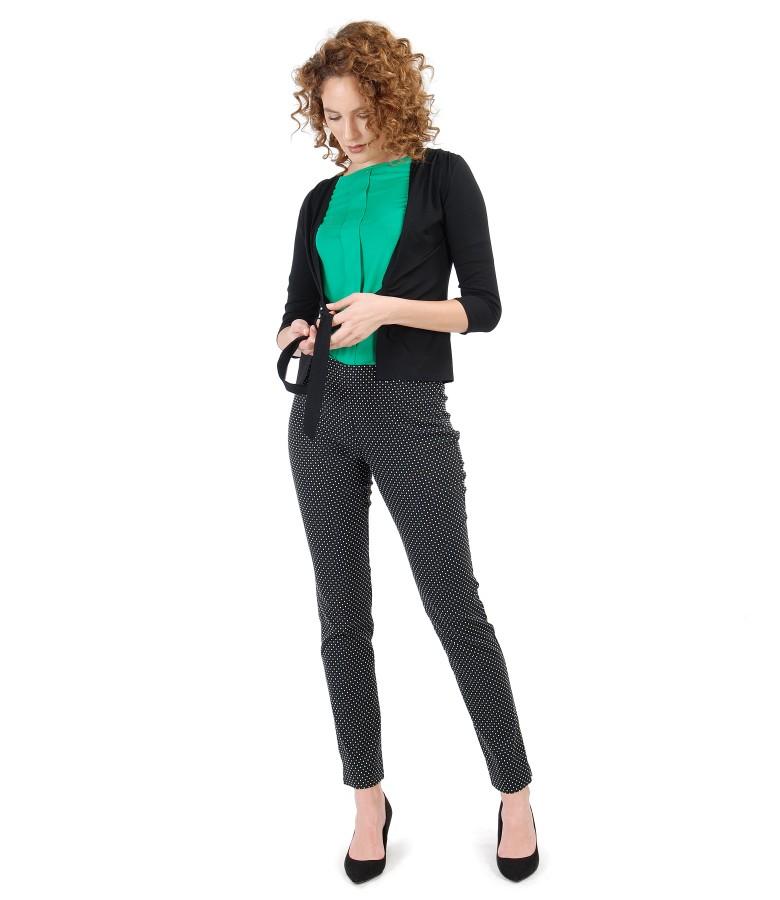 Tinuta eleganta cu pantaloni din stofa bocata cu picouri si bluza din jerse elastic uni