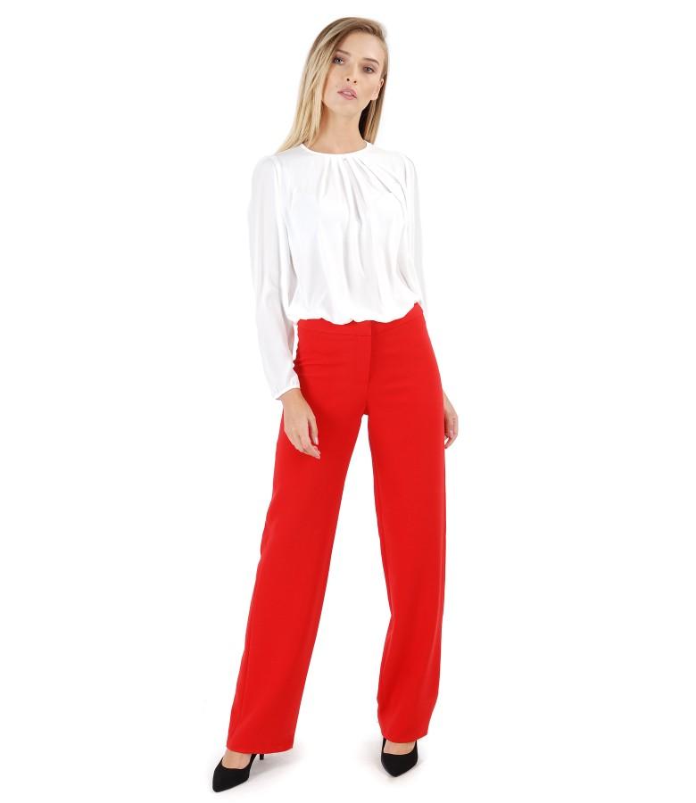 Bluza cu falduri la decolteu si pantaloni drepti