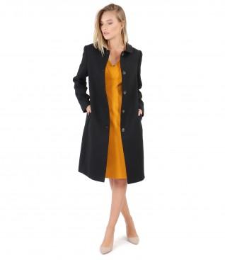 Jacheta cu guler rotund si rochie din jerse elastic gros