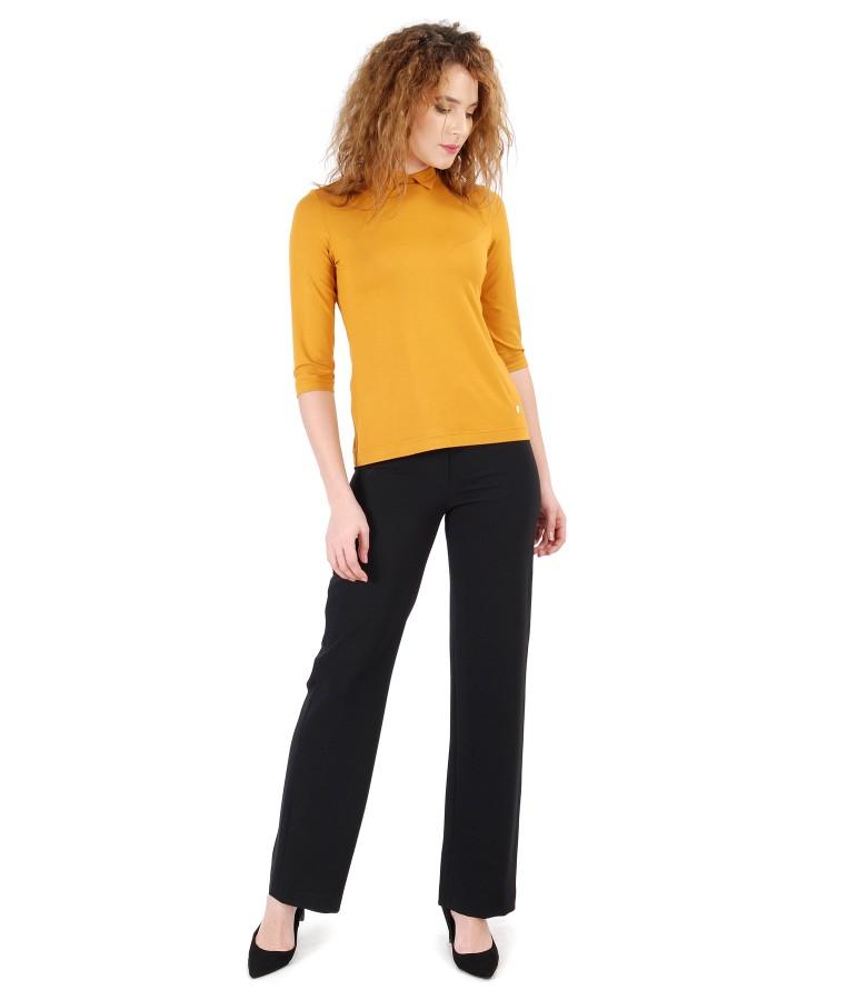 Pantaloni din stofa elastica si bluza din jerse elastic uni