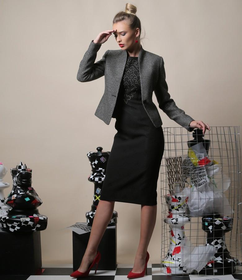 Tinuta de ocazie cu rochie din jerse elastic brocat cu sacou din bucle de bumbac