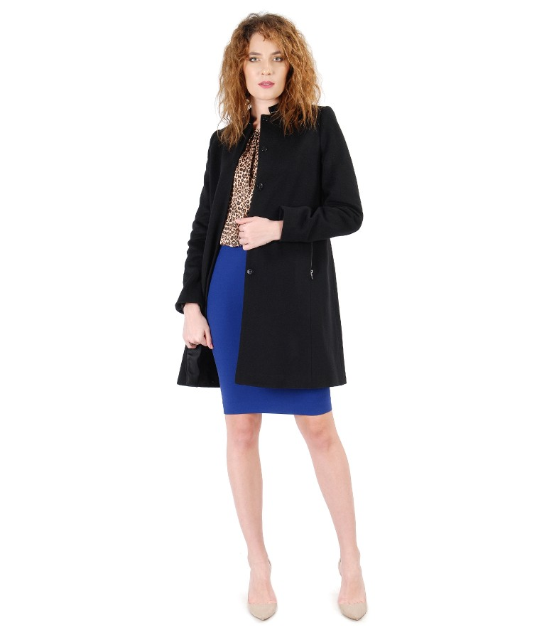 Tinuta eleganta cu jacheta din lana si casmir si bluza cu animal print