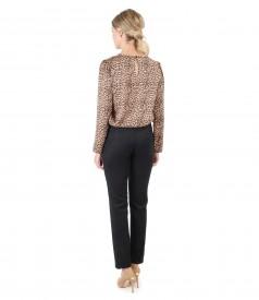 Bluza cu animal print si pantaloni din stofa groasa catifelata