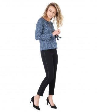 Pantaloni pana cu cusatura decorativa si bluza din vascoza mprimata