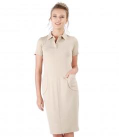 Rochie din jerse elastic cu buzunare aplicate