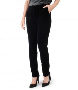 Pantaloni din catifea elastica neagra