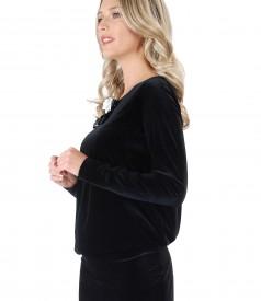 Rochie cu brosa din catifea elastica neagra