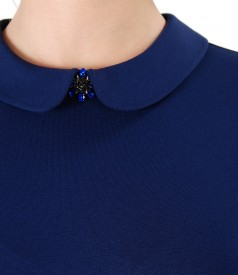 Bluza din jerse elastic cu guler rotund cu brosa