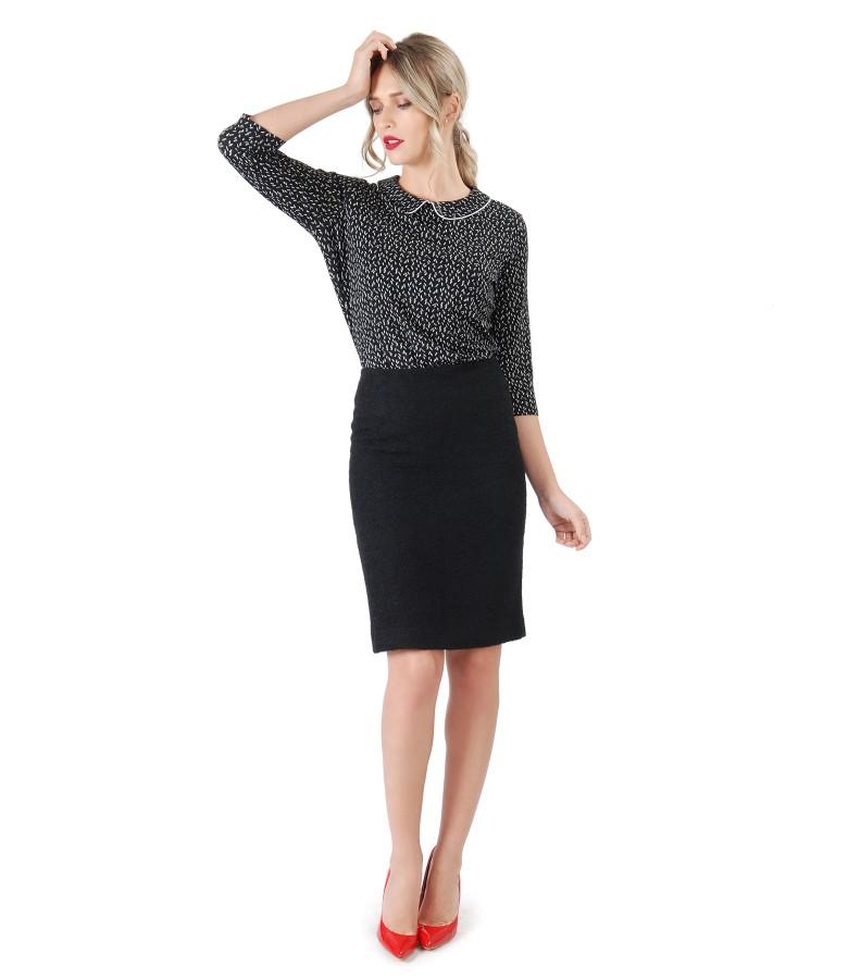 Tinuta office cu fusta din bucle negru si bluza cu guler rotund