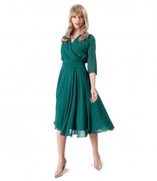 Tinuta de ocazie cu rochie din voal si esarfa in talie