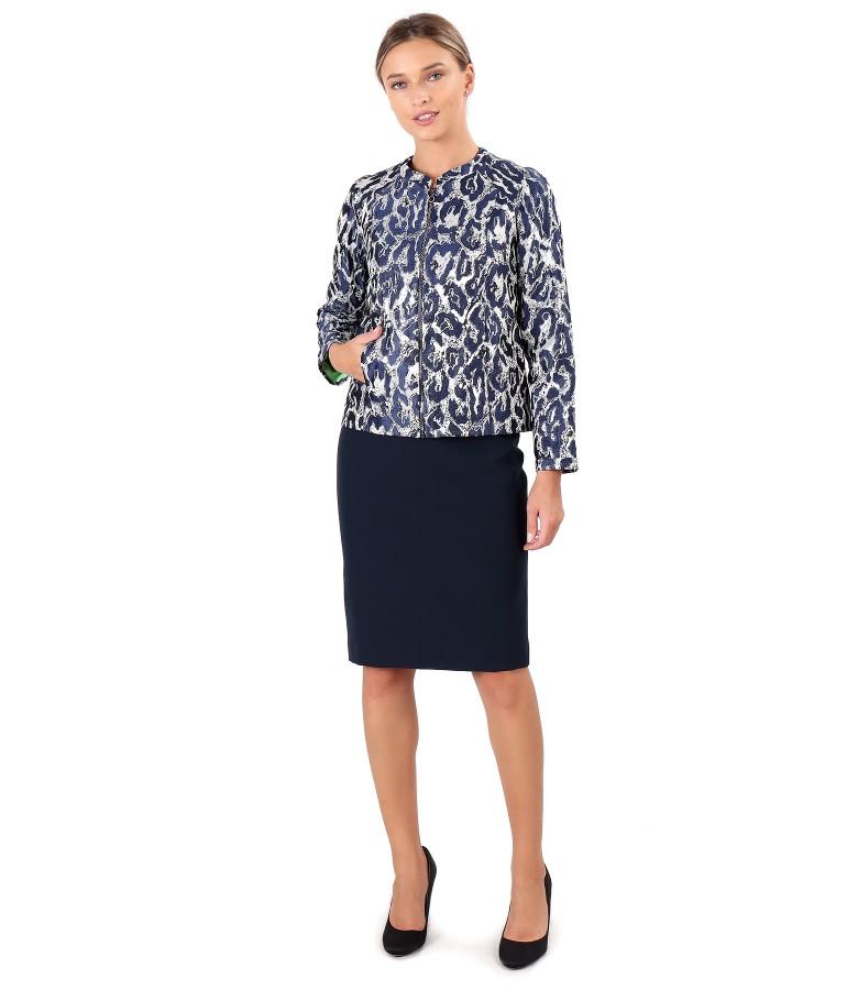 Jacheta scurta din brocart cu fir metalic si fusta din stofa elastica