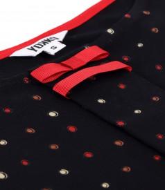 Bluza din jerse elastic cu funda din rips la decolteu