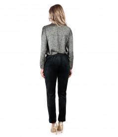 Tinuta eleganta cu bluza satinata si pantaloni din catifea