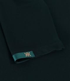 Bluza din jerse elastic uni cu rips la decolteu si maneca