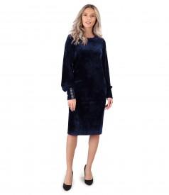 Rochie din catifea cu pasmanterie la mansete