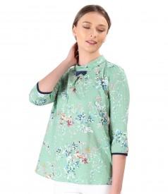 Bluza lejera din bumbac cu viscoza imprimata cu motive florale