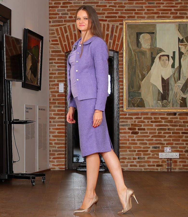 Costum dama office cu sacou si fusta din bucle cu lana si alpaca