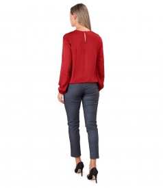 Bluza eleganta din saten de viscoza su pantaloni din denim